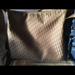 💯 Authentic Christian Dior messenger bag